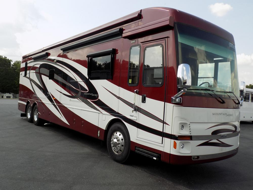 2011 Newmar Mountain Aire 4344 Diesel Pusher Motorhome
