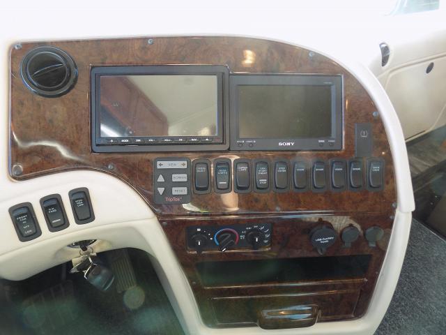 2013 Newmar Essex 4542 Diesel Pusher Motorhome