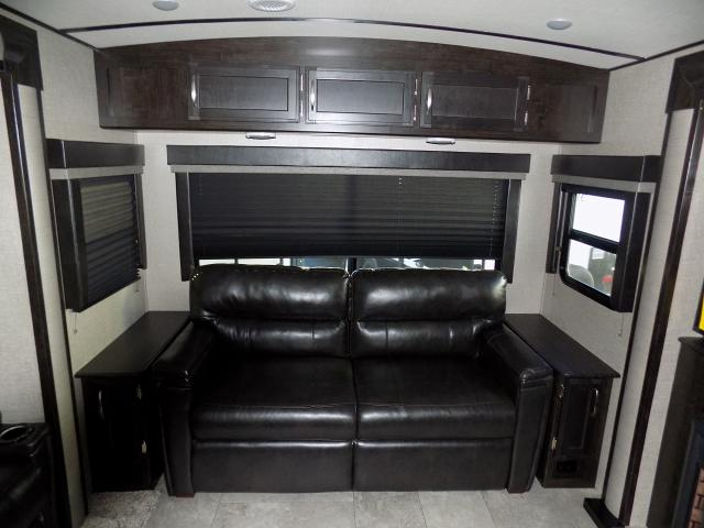 2019 Grand Design Imagine 2970RL Travel Trailer