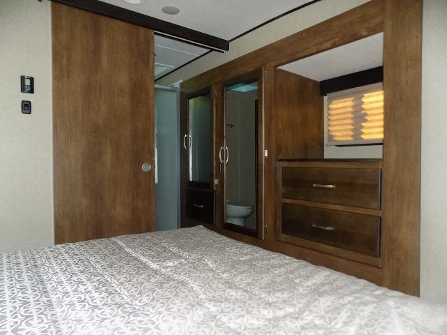 2019 Grand Design Reflection 29RS Luxury Fifth Wheel
