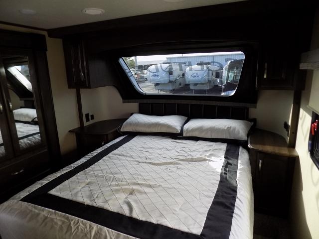 2019 Grand Design Solitude S-Class 2930RL-R Fifth Wheel