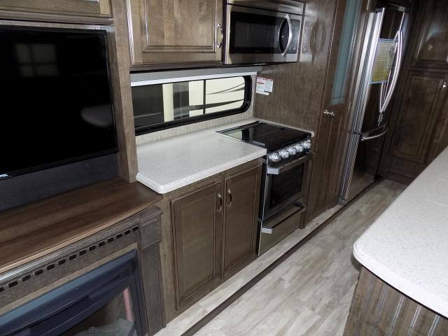 2019 Grand Design Solitude S-Class 3350RL-R Fifth Wheel
